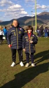 5ο Πρωτοχρονιάτικο Τουρνουά Skoda Ξάνθης, ο MVP της Κατηγορίας Junior Χρήστος Μαλιόγκας με τον προπονητή του Μάκη Μαλούτας